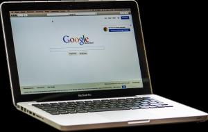 Notebook mit Google-Startseite