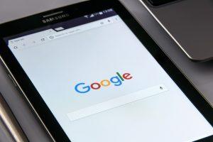 Tablet mit Google-Startseite