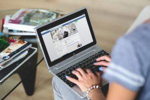 Ein grosser Teil der Online-Einkäufe beginnt dort, wo sie enden – Im Online-Shop