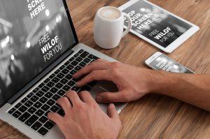Responsive Design-Webseite auf mehreren Geräten